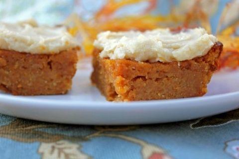 pumpkin bars with vanilla frosting