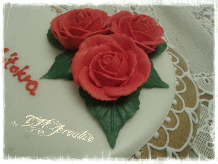 #TMJcreative #royalicing #redroses #vörösrózsák
