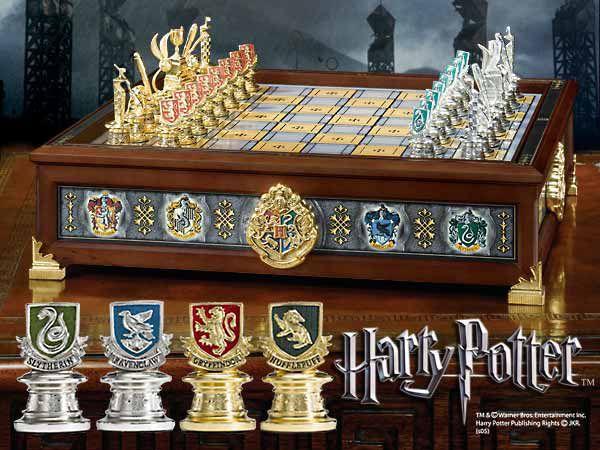 Harry Potter - Die Häuser Hogwarts Quidditch Schachspiel