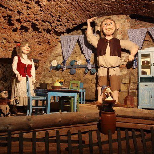 Pohádkový hrad a zámek Staré Hrady - výlet do pohádek čaroděje Archibalda I.