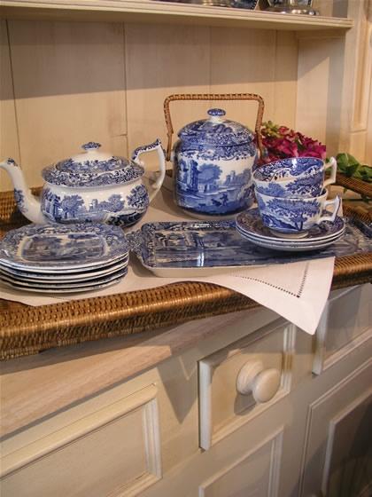 vintage Spode Italian blue porcelain http://www.houndhilldesign.com/cotswold.html