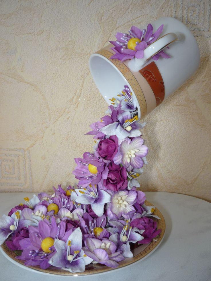 Wie DIY Floral Topiary Flying Cup