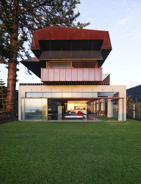 Beach House | Newport, New South Wales, Australia | Peter Stutchbury Architecture | photo by photo by Michael Nicholson