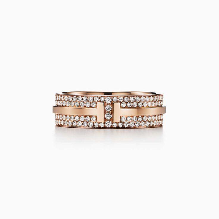 Anel Two Tiffany T em ouro 18k com diamantes pavé.
