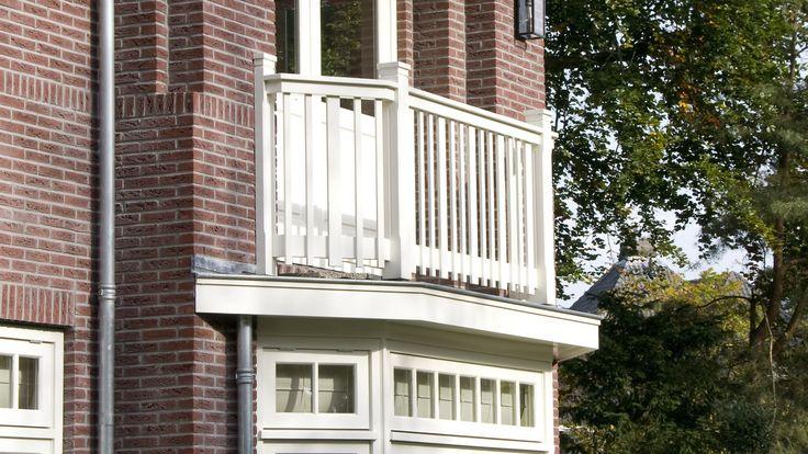 Villa Brediuskwartier Bussum | Balkon Detail