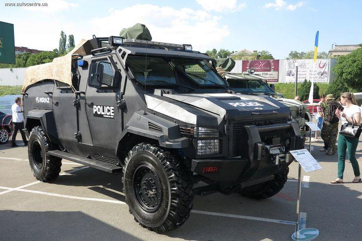 В Киеве 22-23 мая ПАО «АвтоКрАЗ» презентовал обновленные бронеавтомобили, а также новую технику для бизнеса – развозной фургон-«изотерм» и строительное шасси 8х8.