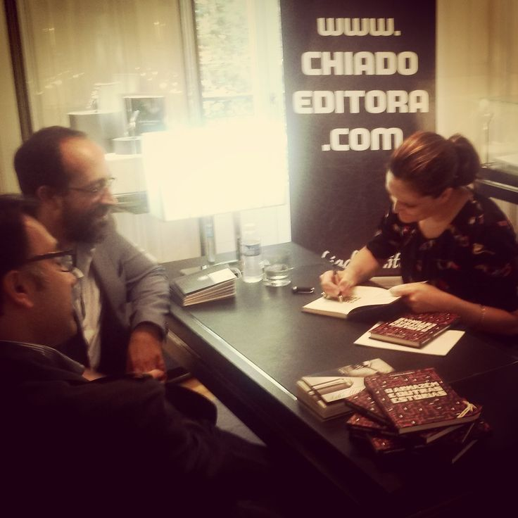 Signing O Armazém e Outras Estórias/The Warehouse and Other Stories limited edition @ Boutique Montblanc, Lisbon, on Writer's Day. Thank you! Absolutely loved the experience. ♥ #oarmazemeoutrasestorias #montblanc #chiadoeditora