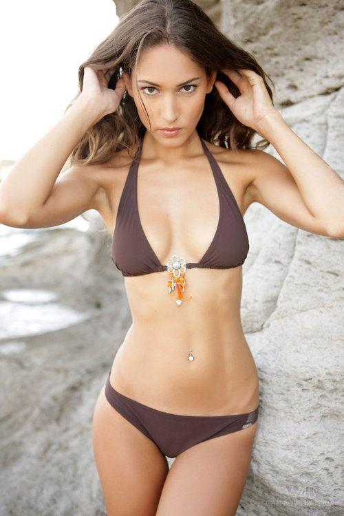 Micro Bikini Milf Bilder