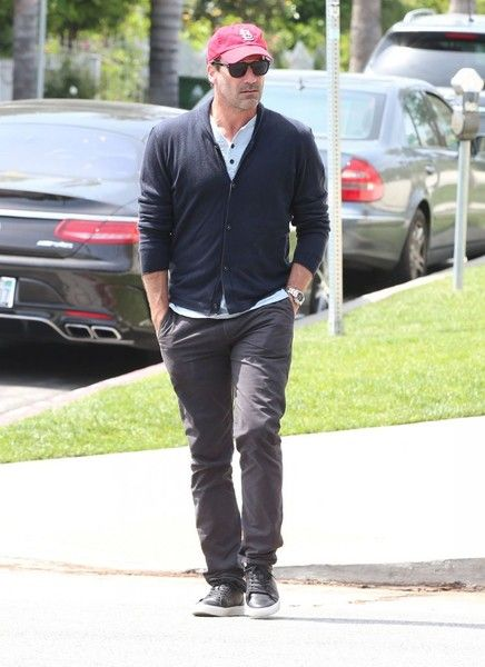 Jon Hamm Photos Photos - Actor Jon Hamm is spotted out for lunch at Little Dom's in Los Feliz, California on April 7, 2017. This is the second time this week Jon has stopped by the popular restaurant for lunch. - Jon Hamm Out For Lunch In Los Feliz