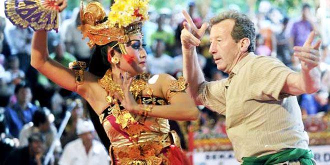 Joged – Balinese Fun Dance