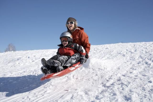 Fun Winter Activities in Washington DC for the Whole Family: Sledding