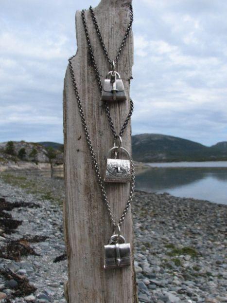 Smykker og drivved Jewelry and driftwood