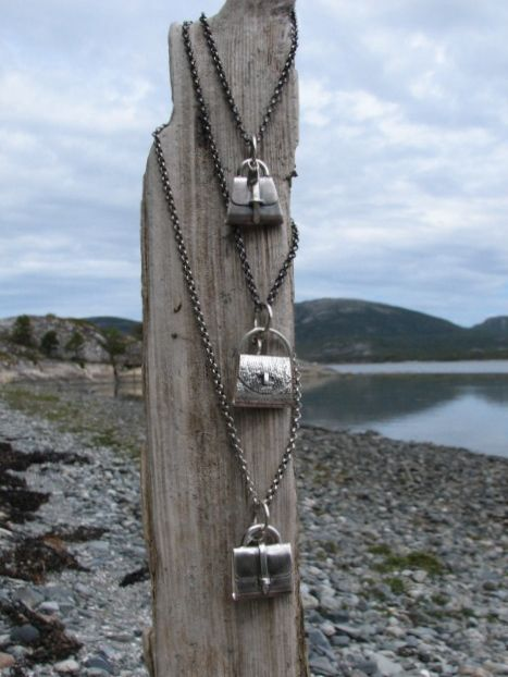 Smykker og drivved Jewelry and driftwood