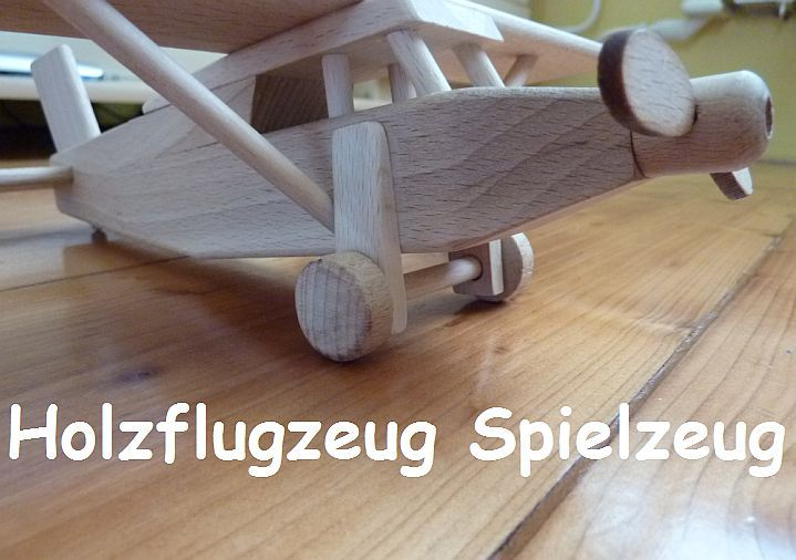 Dřevěné letadýlko Pilatus. Skvělá hračka pro kluky. skladem na eshopu www.soly.cz 299,- Kč