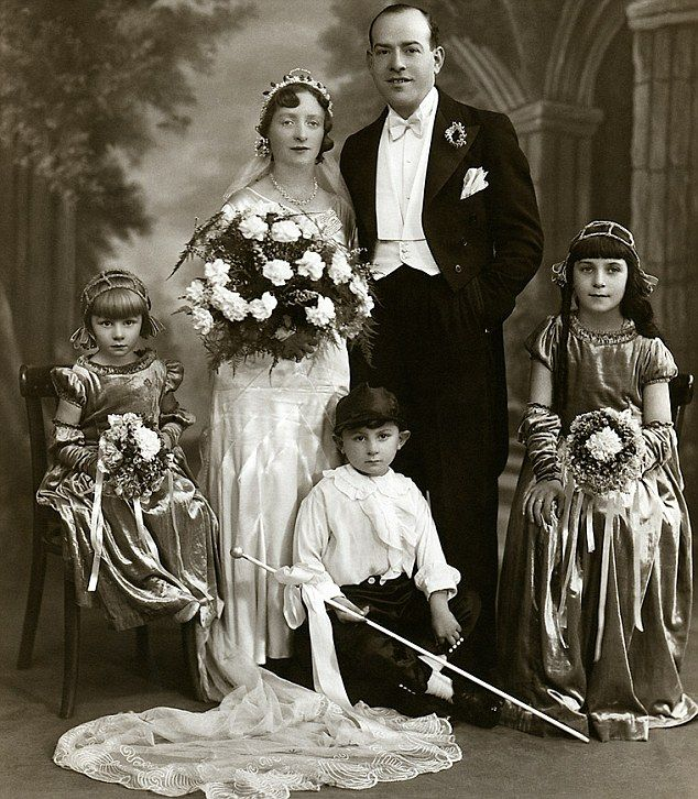 Millie Harris and Myer Dobber pictured in 1931 with bridesmaids Stella Clyne (left), Thelma Harris, Millie's niece (right) and page boy Alan Cass