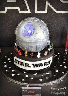 Tuto complet pour réaliser un Gâteau Star Wars étoile de la mort avec faisceau laser pour un anniversaire réussi
