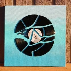 Broken Record Ombre Wall Art - Up-cycle an old scratched record by creating one-of-a-kind wall art!