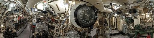 inside a royal navy submarine in 360º