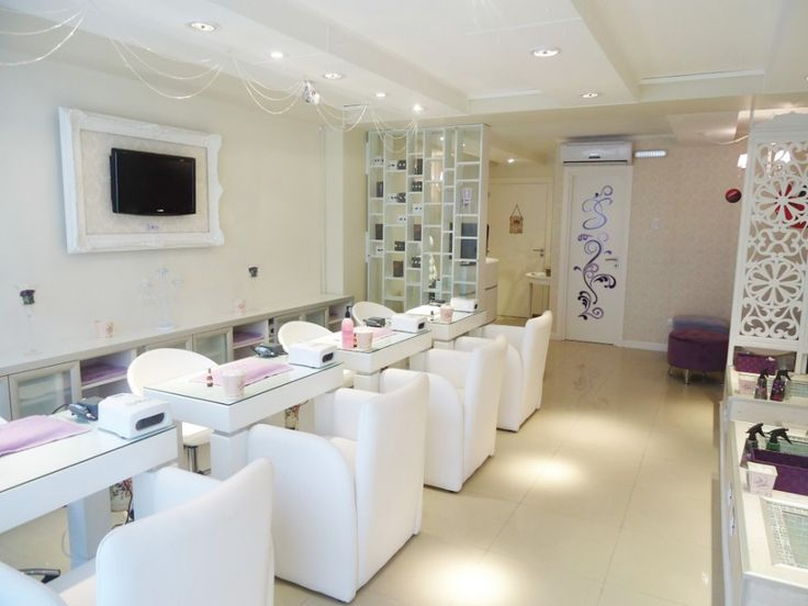 Best 25 nail salon decor ideas on pinterest beauty for Salon de pedicure