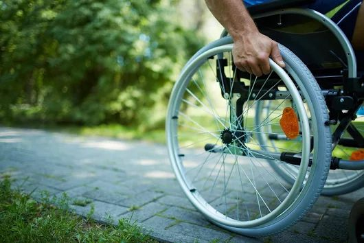 Ayuda en domicilio de persona discapacitada 53 años, comidas, paseo, etc   http://bit.ly/2swTabZ
