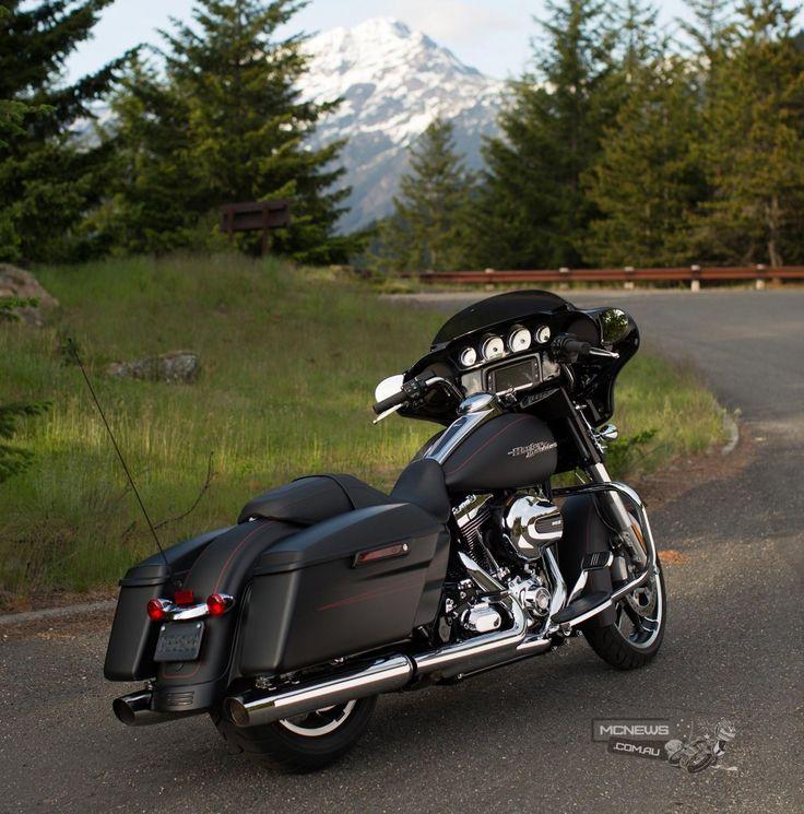 Harley-Davdison Street Glide Special 2015 http://www.mcnews.com.au/harley-davidson-2015-model-unveil/