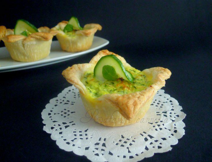Cestini di sfoglia con ricotta e zucchine | Rafano e cannella