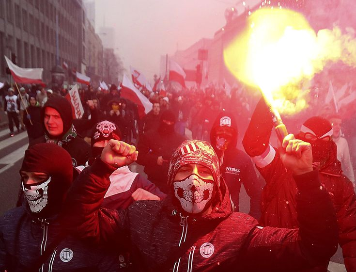 Polish gov't pressured to act following report on neo-Nazis
