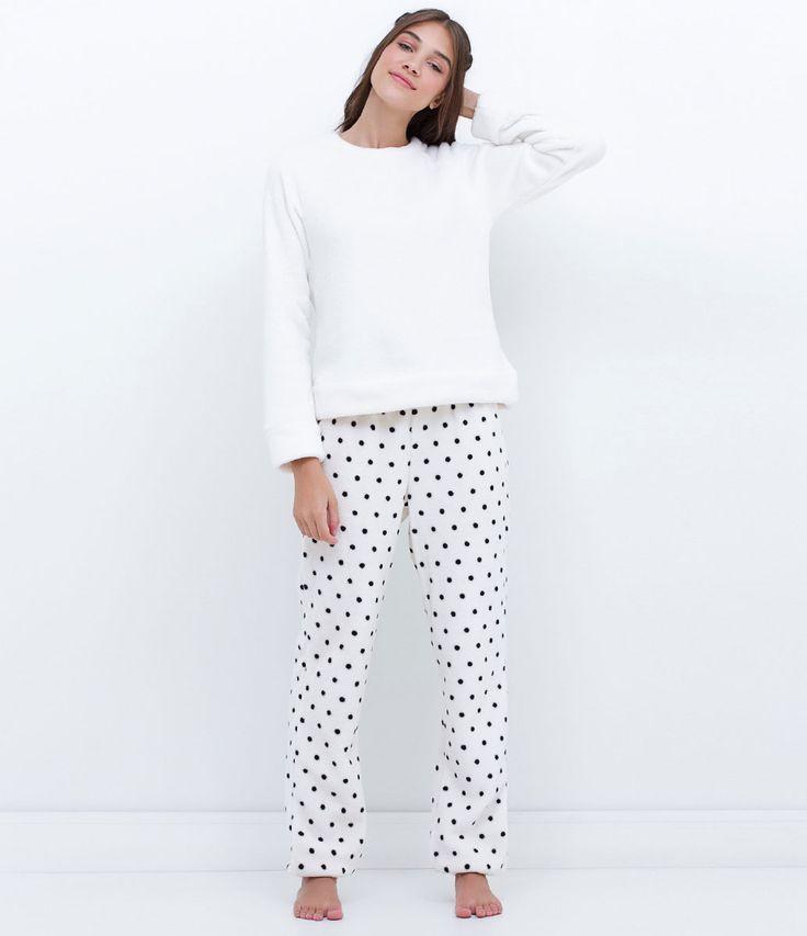 Pijama feminino    Manga longa    Com calça poá    Marca: Lov    Tecido: fleece    Modelo veste tamanho: P             Medidas da Modelo:     Altura: 1,76    Busto: 85    Cintura: 63    Quadril: 92             COLEÇÃO INVERNO 2016             Veja outras opções de    pijamas femininos.