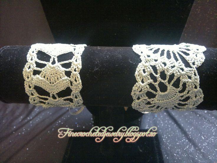 Crochet green lace bracelets www.finecrochetedjewelry.blogspot.ro