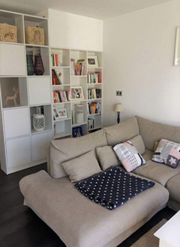 Stylische Idee Für Eine Optische Trennung: Weißer Raumteiler, Weißes  Bücherregal. #interior #