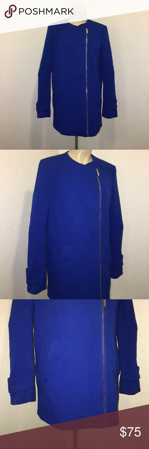 Vince Camuto Royal Blue Zip Up Coat Blazer XS Super stylish and chic blue zip Up coat blazer by Vince Camuto in excellent preowned condition. Size XS. Perfect for all occasions! Vince Camuto Jackets & Coats