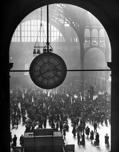 Alfred Eisenstaedt—Time & Life Pictures/Getty ImagesPennsylvania Station, December 1942.: Training Stations, Penn Stations, New York Cities, Clock, Pennsylvania Stations, Alfredeisenstaedt, Alfred Eisenstaedt, Photo, Newyork