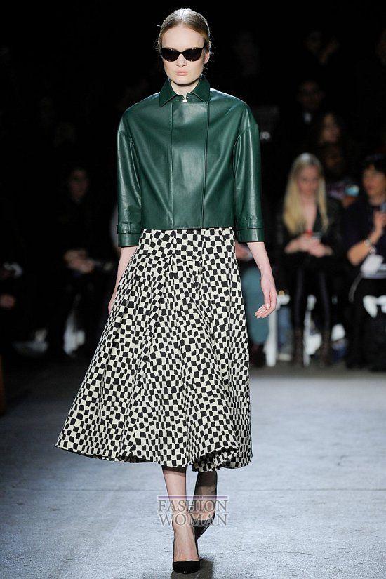 Почетное место в женском гардеробе занимают модные куртки. В сезоне осень-зима 2014-2015 модельеры предлагают нам примерить куртки-бомберы, парки, байкерские куртки, кожаные и др.