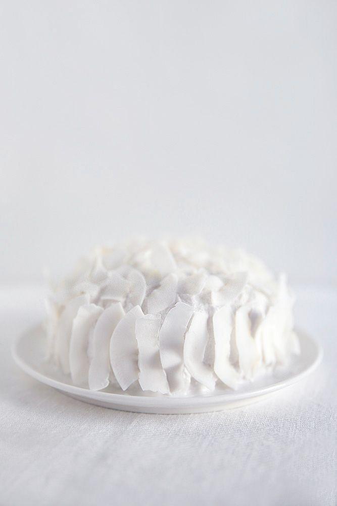 ... raw chocolate coconut cream cake ...