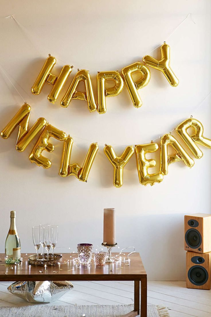 Spell it out in balloons! New Year's ideas