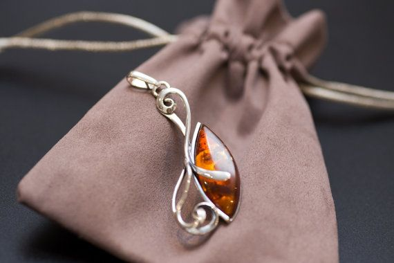 Silver and Amber Pendant Jewellery Necklace by BalticBeauty925