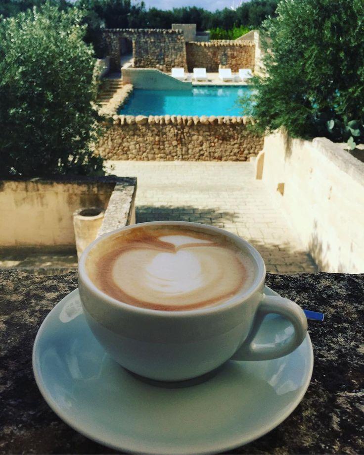 But #firstcoffee #happysunday to all of you #locationscouting #fineweddings #fineweddingsontour #coffeeart #cappuccino #cappuchino #fashionblog #fashionblogger_de #travelblog #travelblogger #indulge #reisenbildet