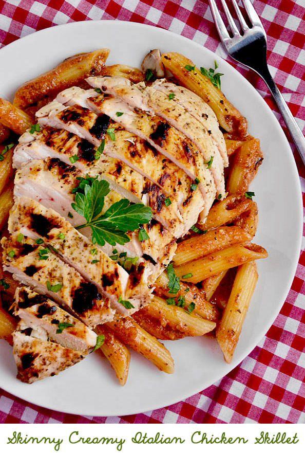 Skinny Creamy Italian Chicken Skillet is quick, creamy, and satisfying - and made with ZERO cream! | iowagirleats.com