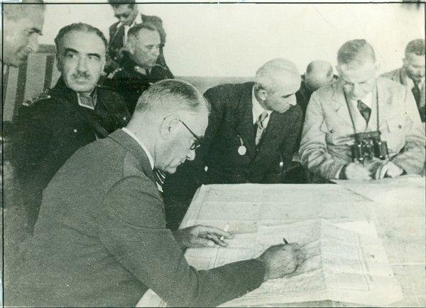 Atatürk Trakya manevralarını planlarken