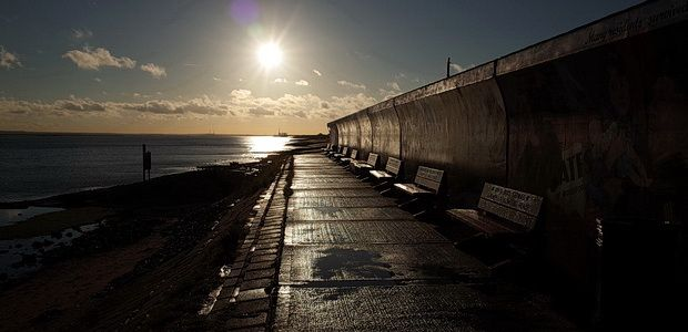 Canvey Island photos - beautiful artwork, sea views, racism and wifebeating…