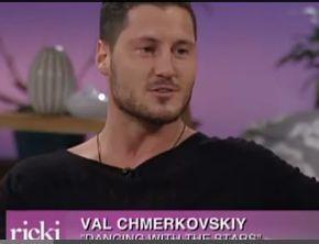 DWTS' pro Val Chmerkovskiy talks about Kelly Monaco dating rumors