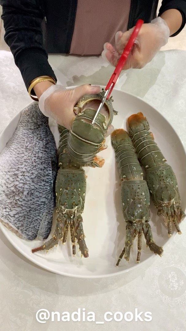 Nadia On Instagram تقدرون تطبقون هالوصفة مع اي نوع سمچ ومع الروبيان طريقة تنظيف وغسل ام الروبيان حبيت اصورها لكم لان اكيد البعض يبي يعرف الطريقه Fish Tv