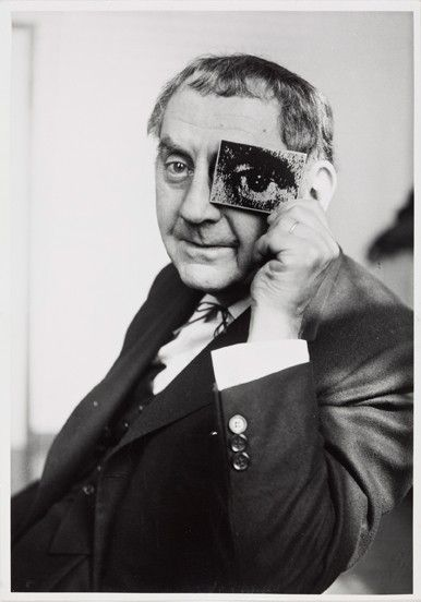 Man Ray with Photokina-Eye, Photokina. Photographed by  ©Charles Fraser, 1960.  See http://www.baumanrarebooks.com/rare-books/man-ray/man-ray-photographs-1920-1934-paris/76589.aspx