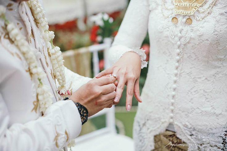 Two Traditional Wedding-Javanese & Minang Wedding Photographer