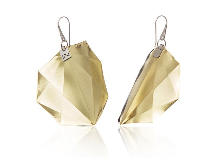 OCTAGON-DIAGONAL-YELLOWGOLD  Materials used:  Hanger: 925 STERLING silver with rhodium flashing.   Pendant: 14 carat yellow gold coating in 3 layers.  Satin finish surface with high gloss finish edges. Gloss preserving, wear-proof, oxidation resistant and anti-allergenic.  Available in three sizes: with a diameter of 4, 5 and 6 cms.