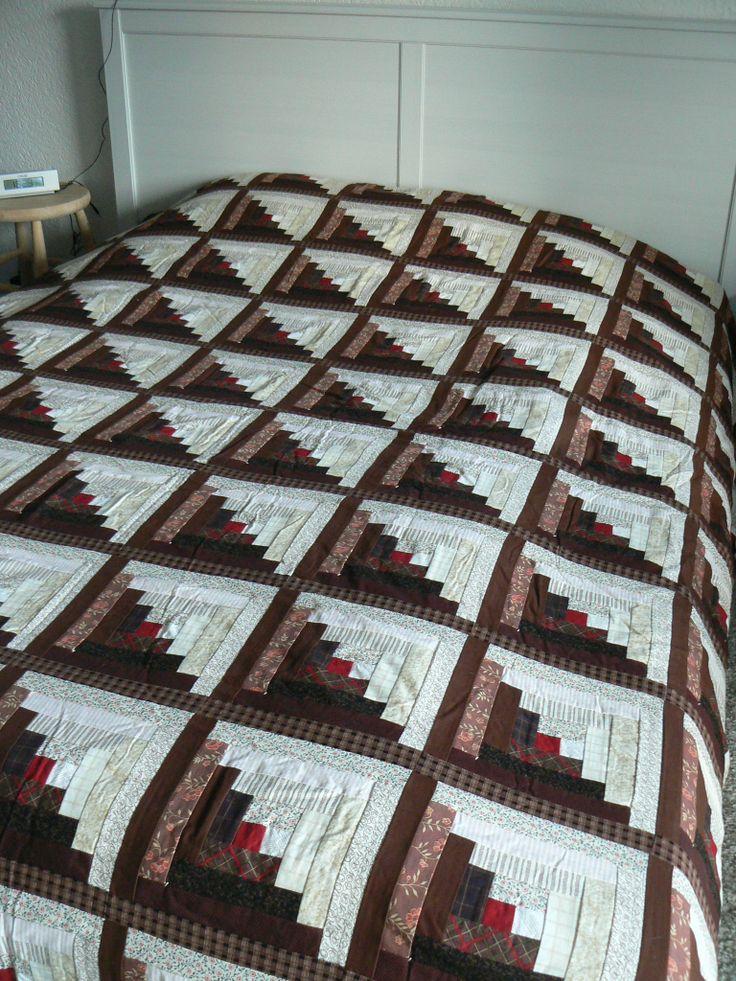 Brown log cabin quilt quilt pinterest log cabin for Log cabin portici e ponti