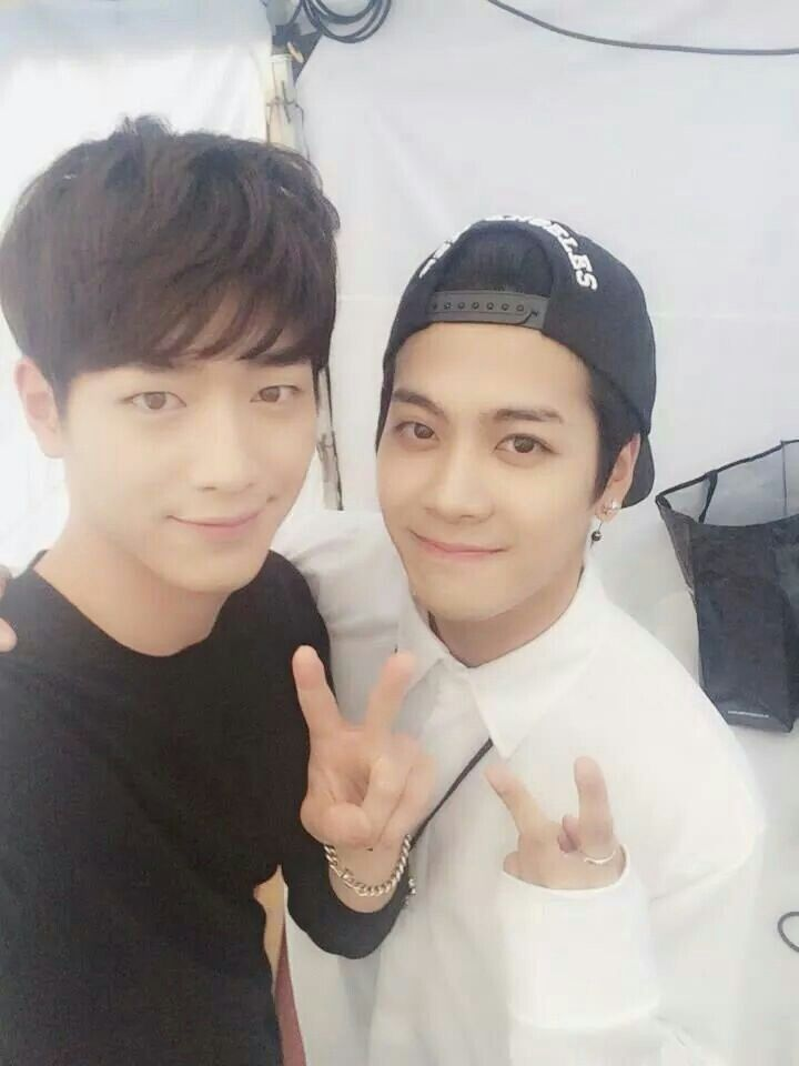 SBS Roommate | Pretty Boy Roommates Seo Kang Joon with ...