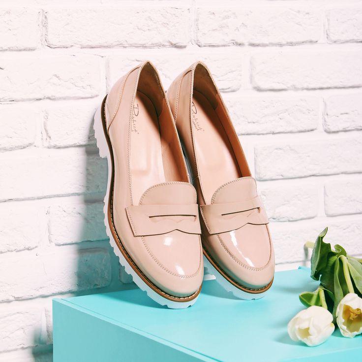 Если вы искали стильную и удобную обувь на весну, то эти лоферы нежного бежевого оттенка на модной тракторной подошве станут вашим идеальным выбором!😊 Отлично дополнят образ как в пастельных, так и ярких тонах ❤️ Арт: 9018-711-8501ВВЖ #respectshoes #iloverespect #shoes #ss17 #shopping #обувьреспект #шоппинг #мода #весна #веснавrespectshoes