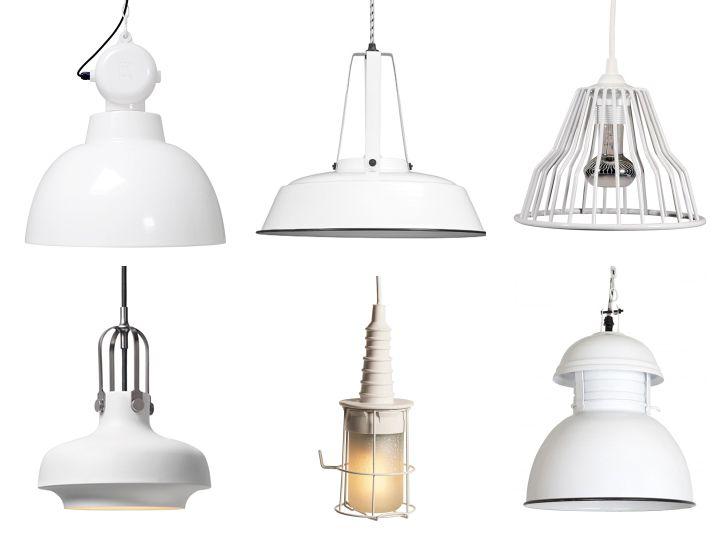 Stoere witte industriële hanglampen   mooie lampen voor in de woonkamer of studeerkamer    #wit #lamp #hanglamp op www.ZOOK.nl/stoere-hanglampen