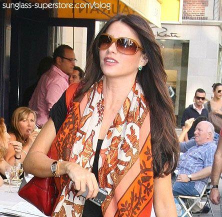 Sofia Vergara wearing sunglasses | ... Sunglasses on Pinterest | Sunglasses, Gucci Sunglasses and Oliver
